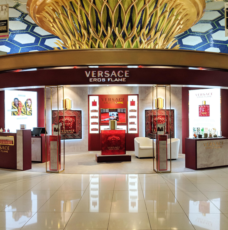 Versace Eros Flame -Abu dhabi Duty Free, Mega HPP